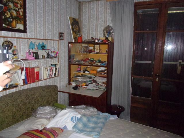 se d barrasser de meubles dans un appartement sur marseille soci t d m nagement d barras. Black Bedroom Furniture Sets. Home Design Ideas