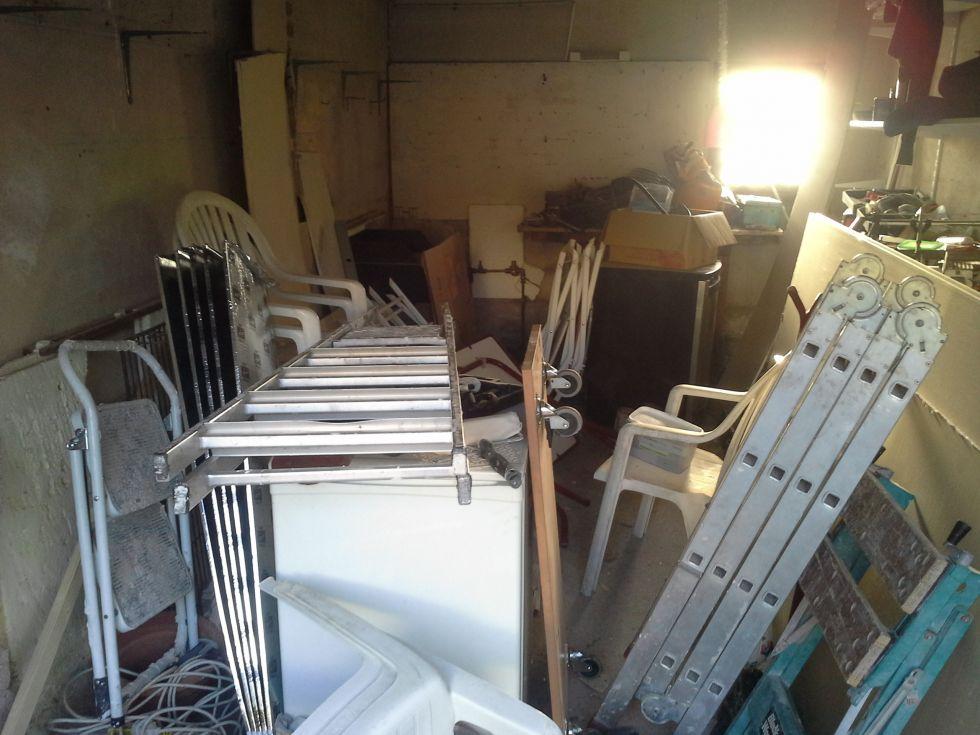 se d barrasser de meubles dans un appartement sur marseille lors d 39 une succ ssion soci t. Black Bedroom Furniture Sets. Home Design Ideas